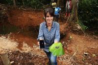 Gemma Parellada, reconeguda pel seu periodisme humanitari, serà dissabte a Manresa com a testimoni de la relació entre mòbils i guerres