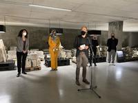 Manresa obre al públic el magatzem lapidari de la Reforma amb una intervenció artística que reflexiona sobre la memòria històrica i el patrimoni destruït a la ciutat durant la Guerra Civil