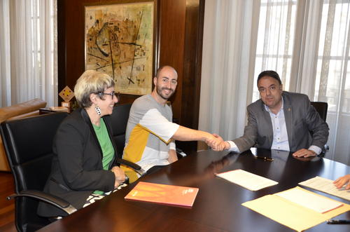 L'Ajuntament i l'Associació Arts Electròniques signen un conveni per a la celebració de Manrusiònica 2018